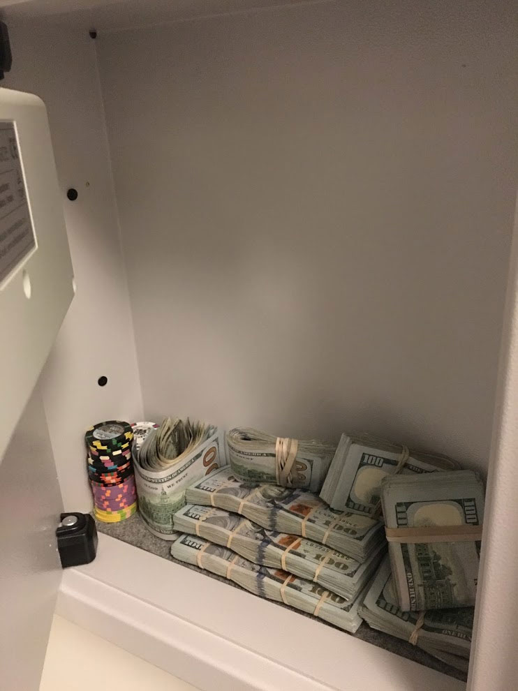 cash cabinet